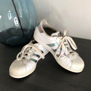 Adidas Womens Superstar Tennis Shoes. SZ 5.5
